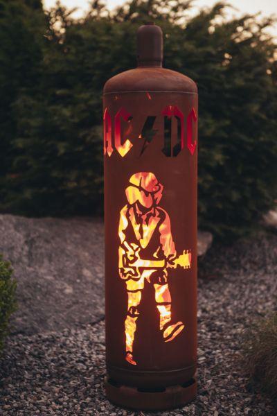 AC / DC FEUERSÄULE